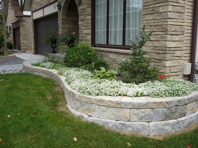 Retaining Walls | Custom Paver Walls | Marvins Brick Pavers