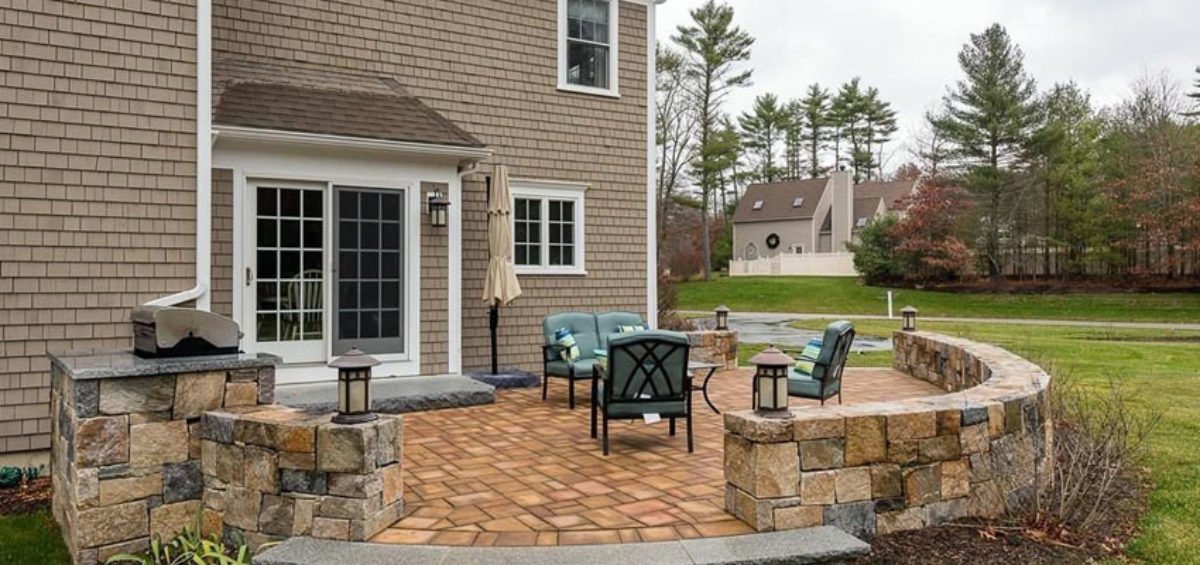 Create Versatile Outdoor Living Es With Stone Pavers Even In Small Yards