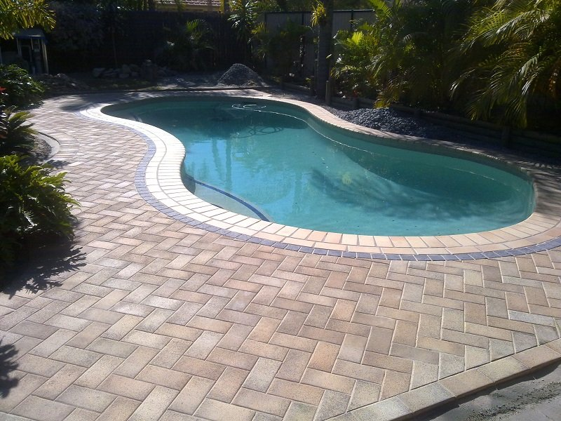 Paver pool deck pool paver ideas marvins brick pavers for Swimming pool surrounds design